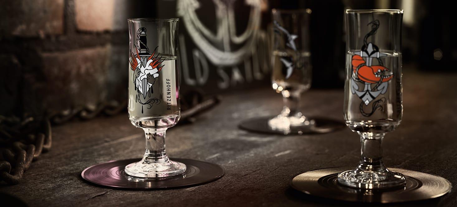 Schnapps: Shot glass